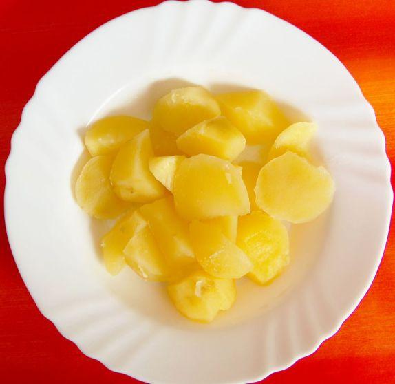 Trockene Kartoffeln als Schulessen?? (Bild: MarkusHagenlocher, CC-BY-SA-3.0)